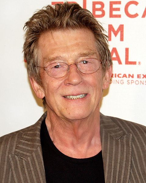 Ficheiro:John Hurt at the 2009 Tribeca Film Festival.jpg