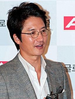Jung Joon-ho from acrofan