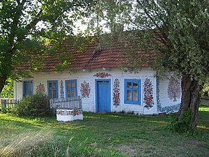 A cottage in Zalipie, the painted village (Les...