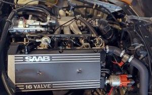 File:1986 Saab B202 (na) engine, right sidejpg