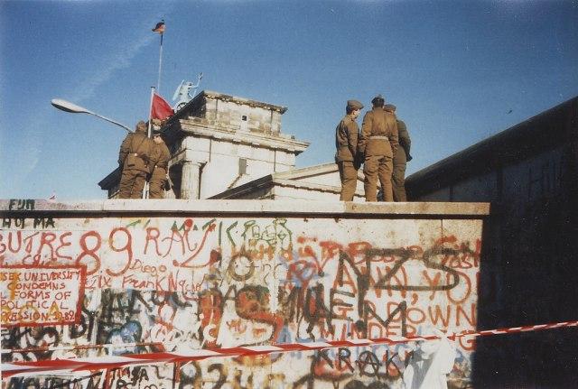 1024px Berlin wall   GrecTech