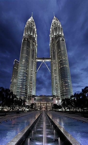 برجا بتروناس - ماليزيا