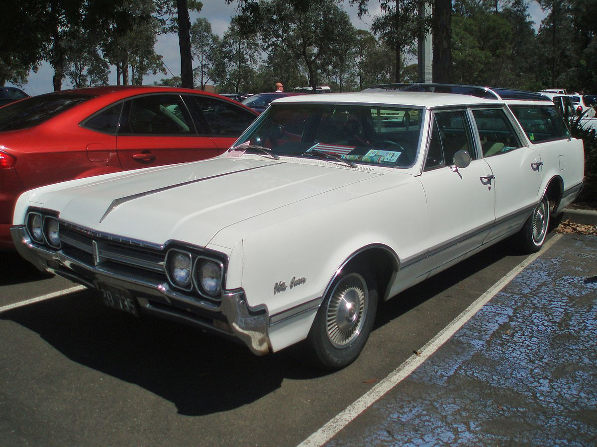 Oldsmobile Vista Cruiser   Wikipedia