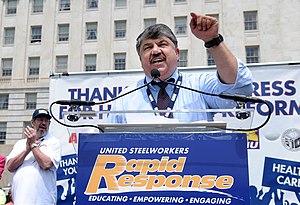 English: AFL-CIO President Richard Trumka and ...