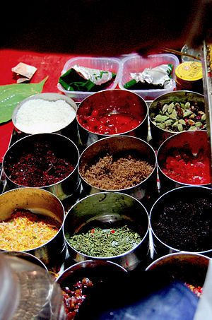 an array of paan fixins