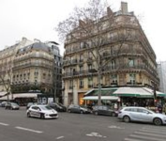 Les Deux Magots Was A Setting And Filming Location