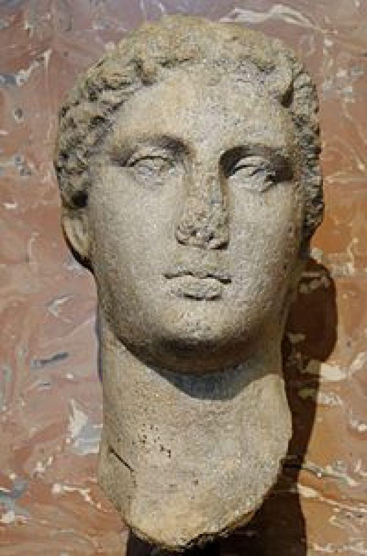 Arsinoe II Isis-Selene Louvre Ma4891.jpg