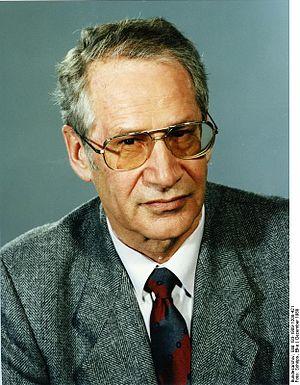 Bundesarchiv Bild 183-1989-1208-421, Markus Wolf