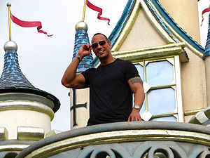 Dwayne Johnson (%u72C4%u7DAD%u838A%u905C) inte...