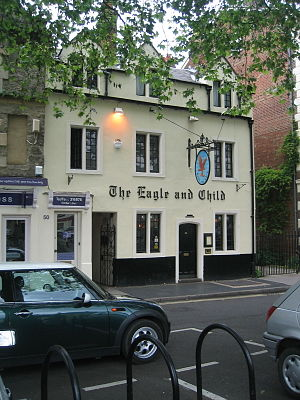 English: Picture of The Eagle and Child pub fa...