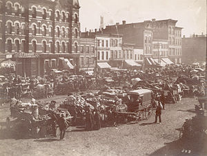 English: Randolph Street Market, west of Despl...