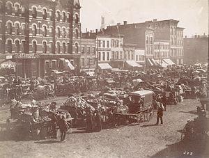 English: Randolph Street Market, west of Despl...