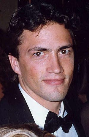 Photo of actor Andrew Shue at the 45th Emmy Aw...