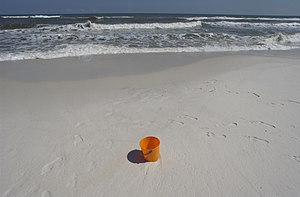 English: Pensacola Beach, FL, June 12, 2005 --...