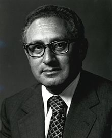 https://i1.wp.com/upload.wikimedia.org/wikipedia/commons/thumb/8/88/Henry_A_Kissinger.jpg/220px-Henry_A_Kissinger.jpg
