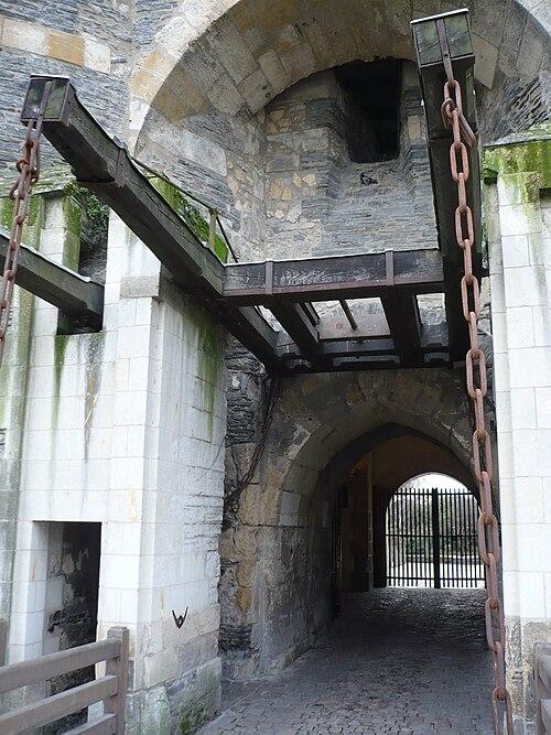 Pont à flèche chateau angers