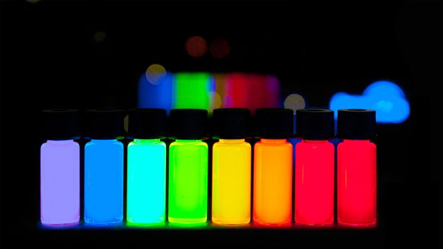 Image of quantum dots with vivid colours with gradually stepping emission from violet to deep red. These have been manufactured on a large scale at PlasmaChem GmbH.