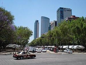 Español: Paseo de la Reforma, Torre Mayor, Tor...