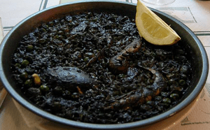Arròs negre owes its dark colour to squid ink