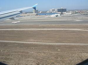 Landing at Los Angeles International Airport (...