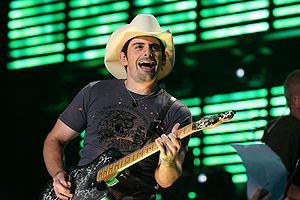 English: American country musician Brad Paisley.