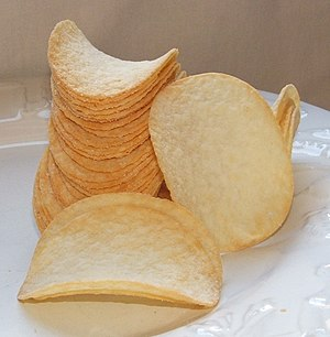Pringles chips (sour cream and onion flavor)