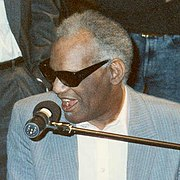 Ray Charles ensaiando para o Grammy de 1990.