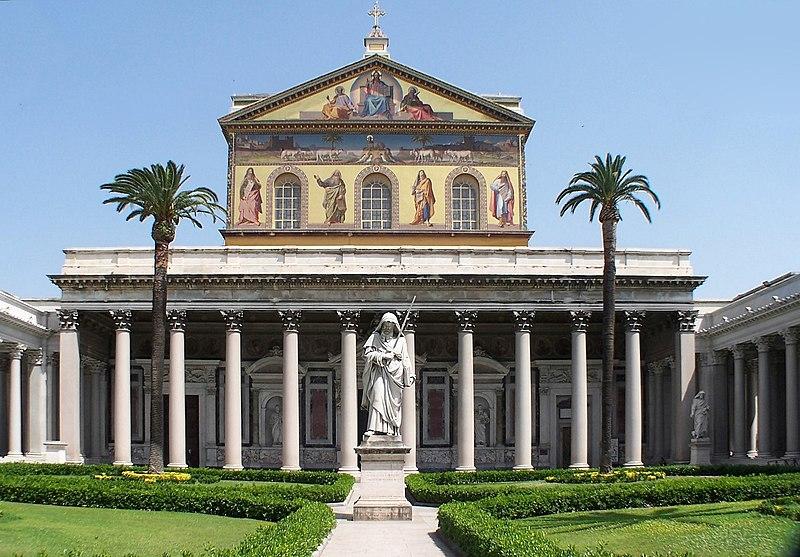 File:Roma San Paolo fuori le mura BW 1.JPG