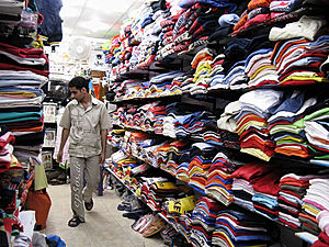 Free picture of casual men shopping for new cl...