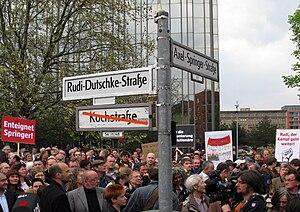 Deutsch: Umbenennung eines Teils der Kochstraß...