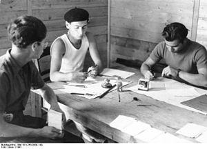 Bundesarchiv Bild 101I-250-0939-14A, Beaune-la...