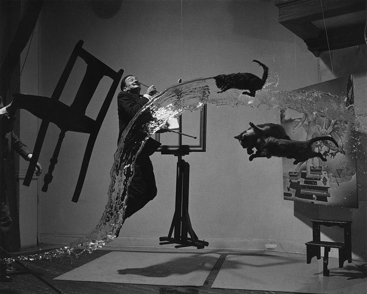 Archivo: Salvador Dalí A (Dalí Atomicus) 09633u.jpg