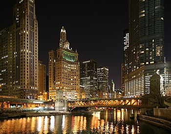 Chicago River and Michigan Avenue bridge by ni...