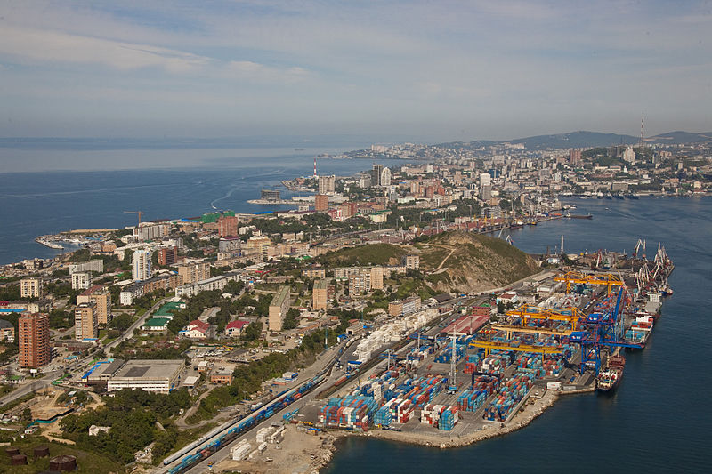 File:Egersheld peninsula and Vladivostok container terminal.jpg