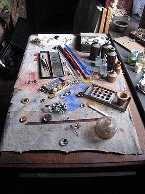 English: Glass eye maker's worktable One of th...