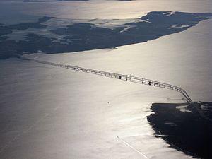 English: Aerial view of the Chesapeake Bay Bri...
