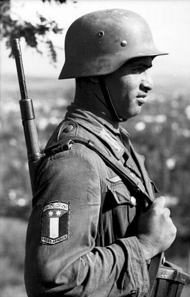 384px Bundesarchiv Bild 101I 177 1465 04%2C Griechenland%2C Soldat der Legion %22Freies Arabien%22 El racismo nazi. Un asunto espinoso
