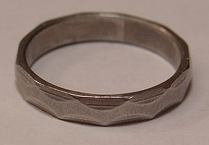 English: A Canadian Engineer's Iron Ring, Stai...