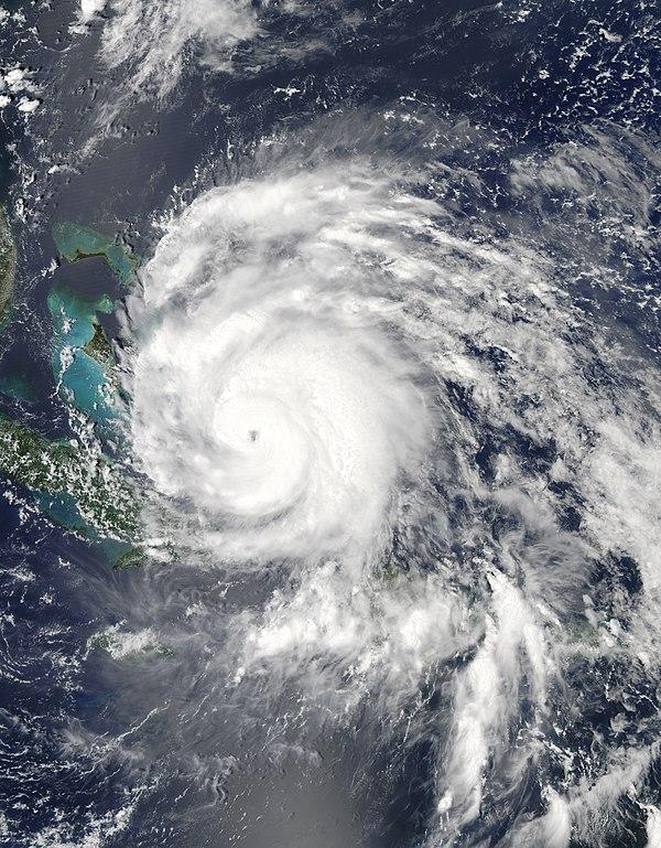 """""""mata"""" topan menghantam Kepulauan Bahama pada kategor 3 dengan kekuatan angin sekitar 185 Km/jam"""