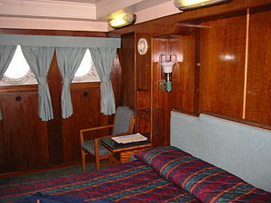 English: Cabin on the RMS Queen Mary.