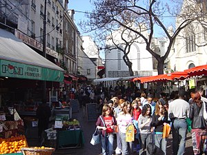 Street market in nearby Rue Mouffetard