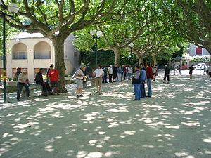 Français : Génolhac (Gard, Fr), l'esplanade un...