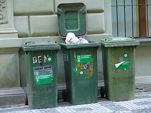 Trash cans (prague)