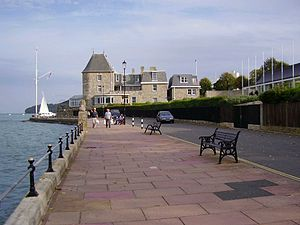 Cowes Esplanade and Cowes Castle (home of the ...