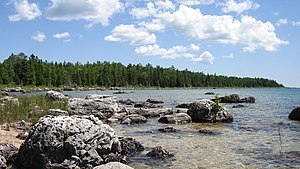 English: Rocky shore of Lake Huron taken from ...