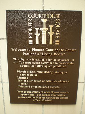 English: Plaque at Pioneer Courthouse Square i...