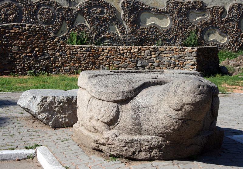 File:Ussuriysk-Stone-Tortoise-S-3542.jpg