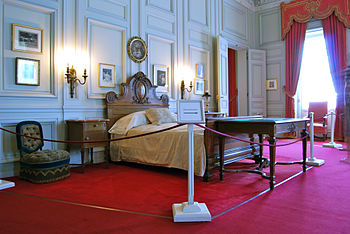 English: Bedroom of Cornelius Vanderbilt II at...