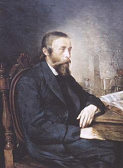 1852年波蘭人依格納茨·盧卡西維茨(Ignacy Łukasiewicz)發明了使用更易獲得的石油提取煤油的方法。