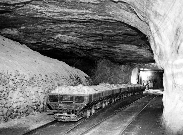 Strataca - MuseuM garam, kereta bisa lewat The Salt Mining Industry in Hutchinson